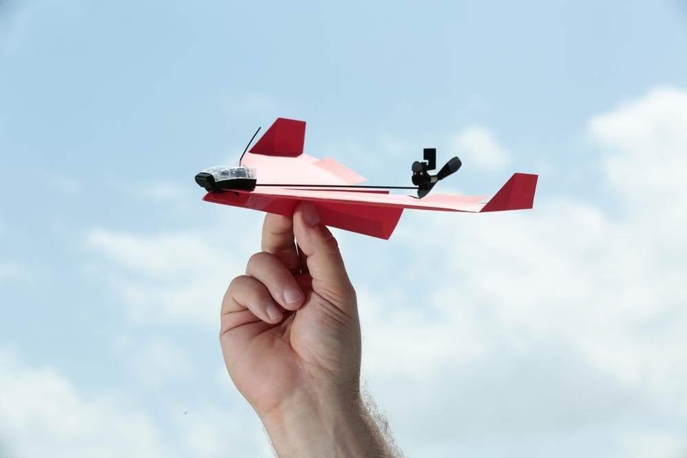 自分で折った紙飛行機をスマホで操縦できるPOWERUP3.0を購入!